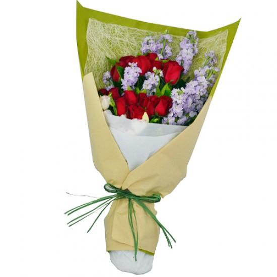 One Dozen Elegant Roses Bouquet